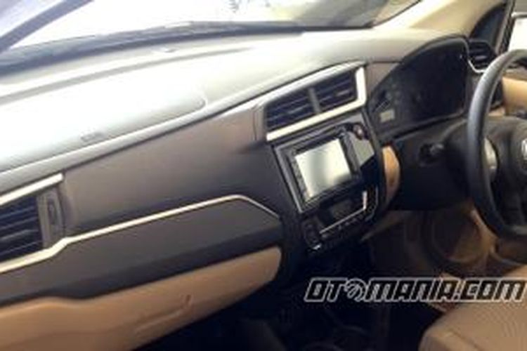 Dashboard terbaru New Honda Mobilio.