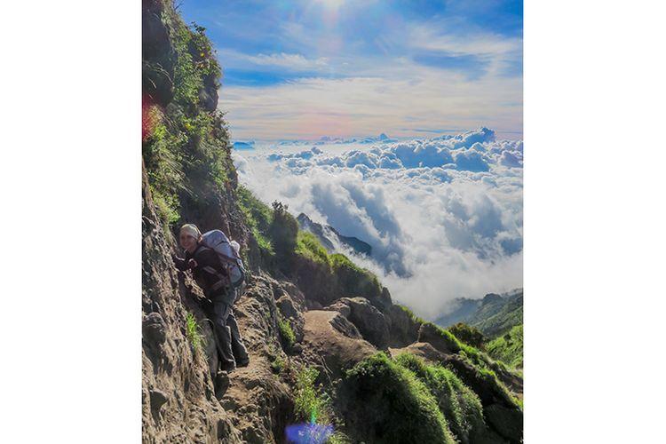 Ondorante di jalur pendakian Gunung Merbabu rute utara yang harus dilewati pendaki menjelang puncak.