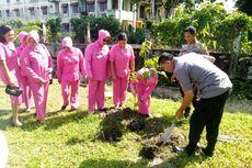 Saat Polisi di Mimika, Papua Diwajibkan Menanam Pohon Buah-buahan