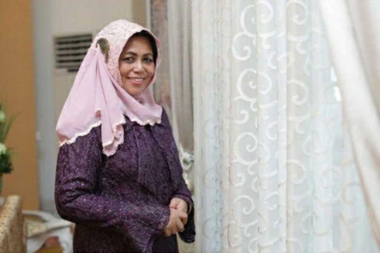 Istri Gubernur Riau Misnarni Syamsuar