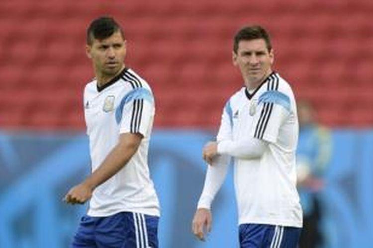 Dua penyerang Argentina, Sergio Aguero (kiri) dan Lionel Messi (kanan).