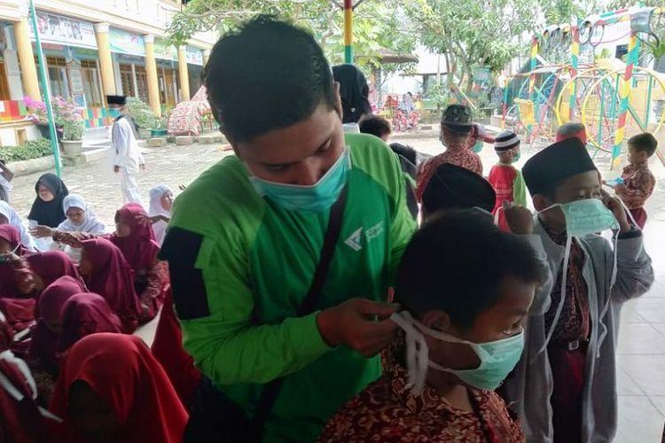 Minimalkan Dampak Buruk Kebakaran Hutan di Riau, Dompet Dhuafa Bagikan Masker