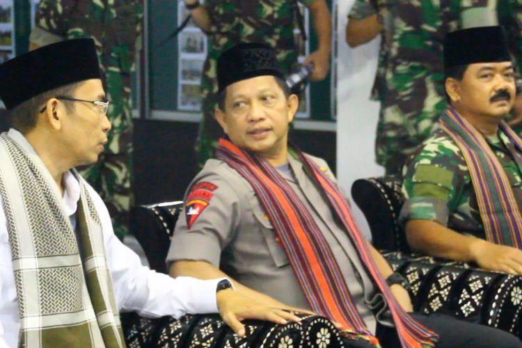 Kapolri Tito Karnavian didampingi gubernur NTB dan Panglima TNI saat Safari Ramadhan di Mataram.