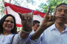 Jokowi Metal, Iriana Dua Jari