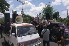 Demo di Kantor Bupati Lombok Tengah, Massa Dukung Pergantian Nama Bandara