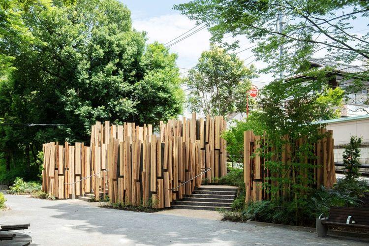 Proyek toilet unik di Tokyo bernama A Walk in the Woods, yang didesain Arsitek Jepang, Kengo Kuma untuk proyek Tokyo Toilet yang diselenggarkan yayasan Nippon.