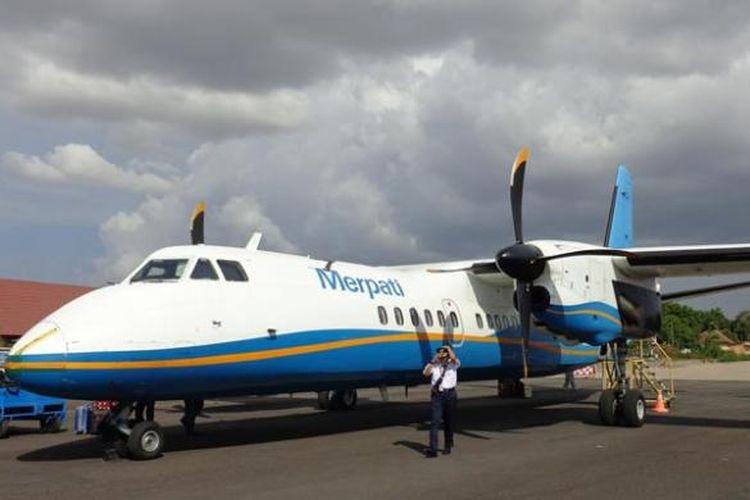 Merpati Nusantara Airlines di Bandara Sultan Kaharuddin di Kabupaten Sumbawa, Nusa Tenggara Barat.