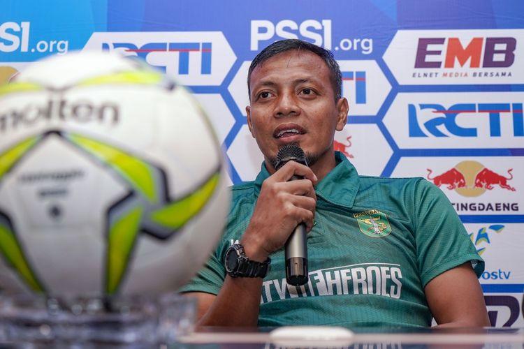Asisten Pelatih Persebaya Surabaya, Bejo Sugiantoro.