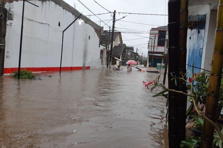 Banjir di Pondok Maharta, Pondok Aren, Tangerang Selatan, Rabu (1/1/2020)