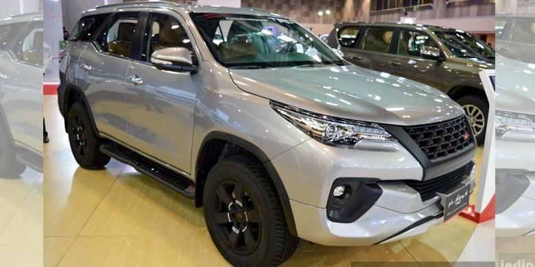 Toyota Fortuner makin galak tanpa krom.