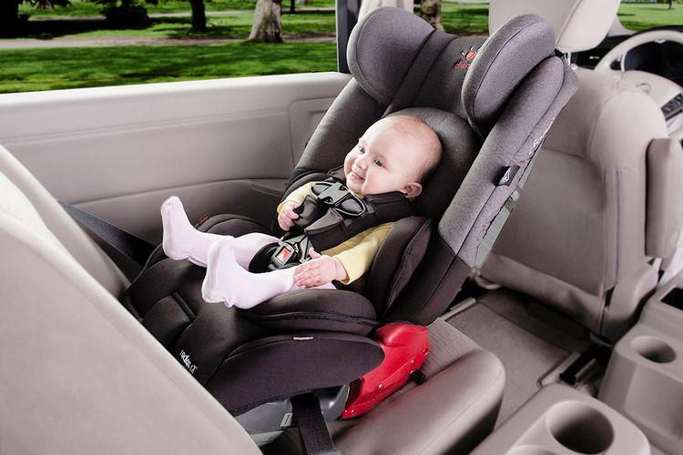 Bayi Dan Anak Kecil Dilarang Duduk Di Jok Depan Mobil Ini
