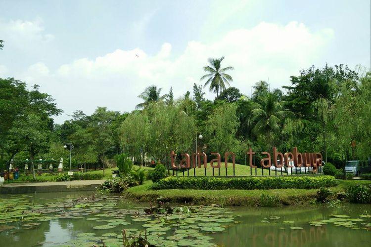 Taman Tabebuya di Jagakarsa menjadi salah satu taman favorit yang dikunjungi oleh warga Jakarta.