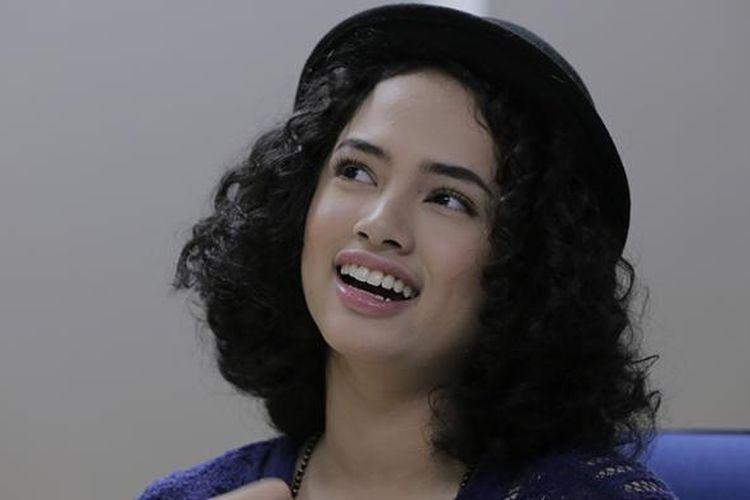 Vokalis Williana Saraswati atau Wizzy Williana berbincang-bincang di kantor Redaksi Kompas.com, Gedung Kompas Gramedia, Jakarta, Senin (20/6/2016).