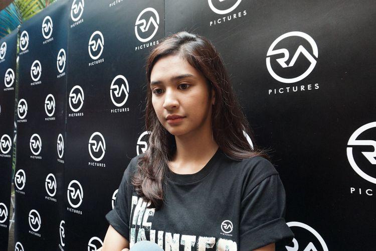 Artis peran Mikha Tambayong saat ditemui di peluncuran trailer dan poster film 13 The Haunted di Queens Head, Kemang, Jakarta, Selatan, Sabtu (30/6/2018).