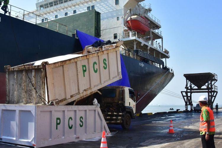 PT Petrokimia Gresik mengekspor 45.000 ton pupuk urea ke India. Pengiriman dilakukan pada minggu kedua Agustus 2019.