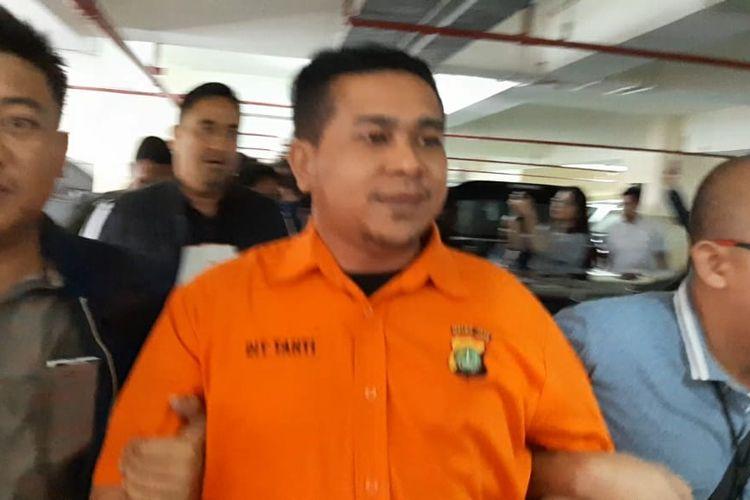 Tersangka penyerang Novel Baswedan tiba di Bareskrim Polri, Jakarta, Sabtu (28/12/2019).