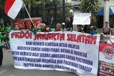 Demo, Pengemudi Gojek Tuntut Bos Taksi Malaysia Datang ke Jakarta dan Minta Maaf