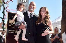 Dwayne Johnson Rayakan Ulang Tahun Istri Saat Berjuang Lawan Covid-19