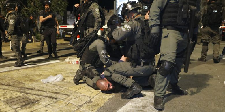 Update: Korban Luka Bentrokan di Masjid Al-Aqsa Ja