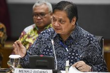 Indonesia Highlights: Indonesia Investment Authority to Receive $9.5 Billion from Foreign Investors | Jakarta Extends Partial Lockdown to February 22 | Mount Raung Spews Volcanic Ash Column in Indones