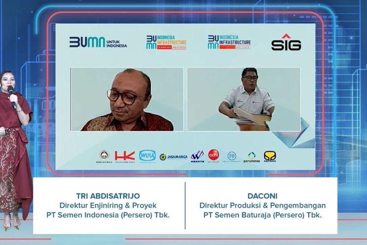 Direktur Engineering & Project SIG, Tri Abdisatrijo (kiri) bersama Direktur Produksi dan Pengembangan Semen Baturaja Daconi, saat menandatangani MoU Indonesia Infrastructure Research & Innovation Institute (I2RI), Rabu (30/6/2021).