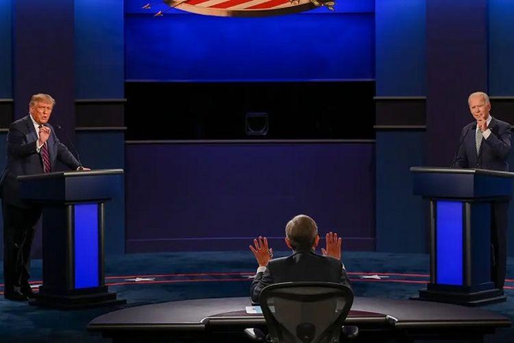 Calon Presiden Partai Republik Presiden Petahana Donald Trump berdebat dengan Calon Presiden Partai Demokrat mantan Wakil Presiden Joe Biden di kampus Universitas Case Western Reserve, Cleveland, Ohio, Selasa malam (29/09/2020)
