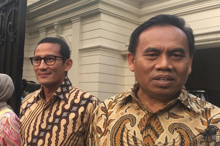 Sekretaris Daerah (Sekda) DKI Jakarta, Saefullah mendatangi kediamanan Wakil Gubernur terpilih Sandiaga Uno pada Sabtu (8/7/2017).