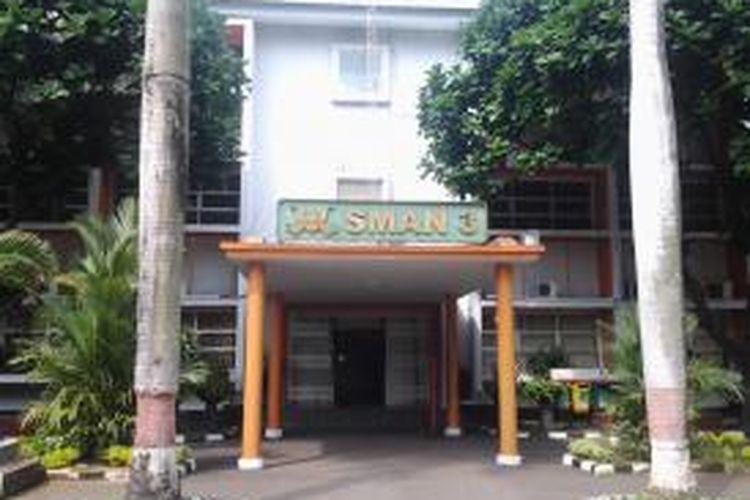 Halaman depan SMA 3 Jakarta di Setiabudi 2, Jakarta Selatan. Gambar diambil pada Selasa (24/6/2014).