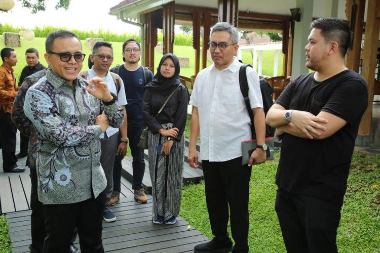 Bupati Banyuwangi Abdullah Azwar Anas saat menerima kunjungan dari peserta wisata arsitek di Banyuwangi