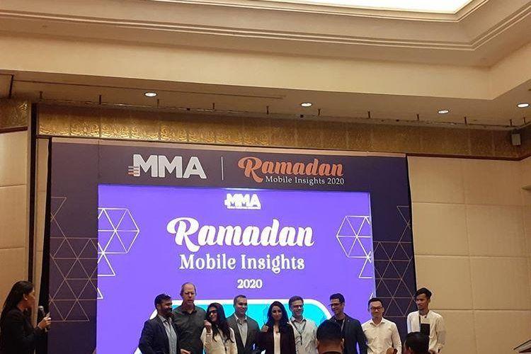Country Manager Indonesia Mobile Marketing Association (MMA) Shanti Tolani (paling tengah) dalam acara MMA Ramadan Mobile Insight 2020 di Jakarta, Rabu (12/2/2020).