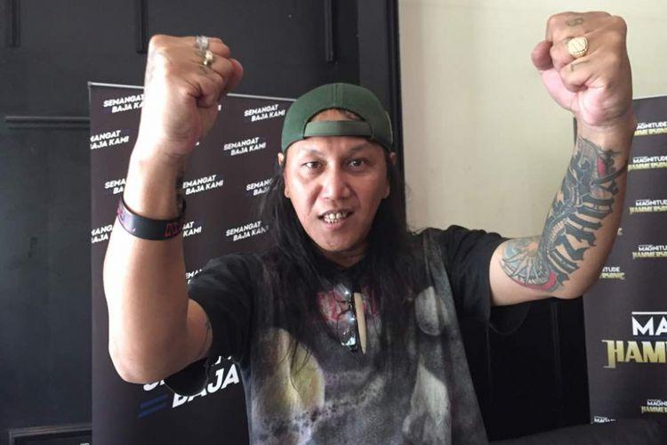Vokalis band metal Jecovoxx, Roy Jeconiah, hadir dalam jumpa pers Hammersonic 2017 di Tanah Lot 8 Resto & Bar, SCBD, pada Jakarta Selatan, Jumat (5/5/2017).