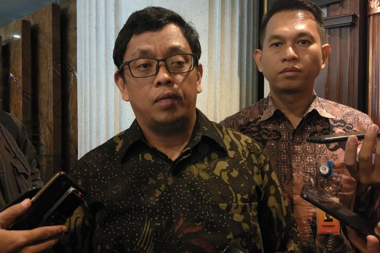 Ketua Bawaslu Jabar Abdullah Dahlan saat ditemui dalam kegiatan Evaluasi Pengawasan Pemilihan Umum Pemilu 2019 di El Royal Hotel, Jalan Merdeka, Kota Bandung, Kamis (7/11/2019).