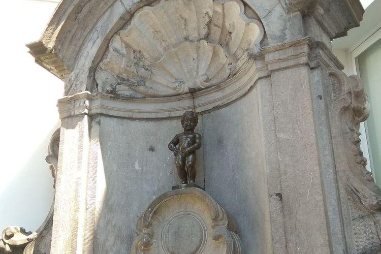 Patung Mannekin Pis di Brussels, Belgia