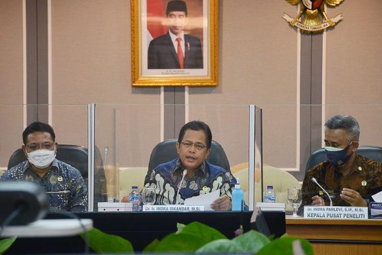 Sekretaris Jenderal (Sekjen) Dewan Perwakilan Rakyat (DPR) Indra Iskandar dalam webinar Badan Keahlian DPR bertajuk ?Bergerak Bersama Mewujudkan UU Penghapusan Kekerasan Seksual, bertempat di Gedung Nusantara II, Senayan, Jakarta, Selasa (9/3/2021).