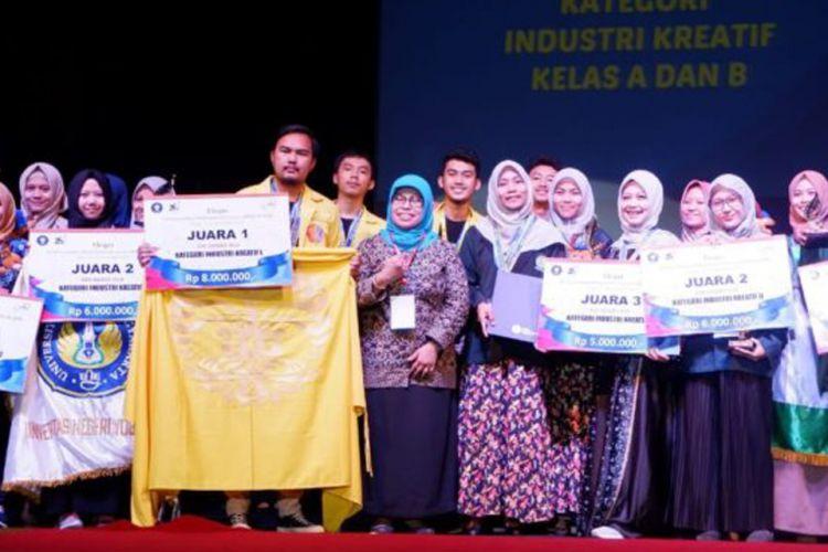 FIA UI berhasil raih juara pertama di ajang kewirausahaan tahunan Expo Kewirausahaan Mahasiswa Indonesia (KMI) IX 2018, Institut Pertanian Bogor.