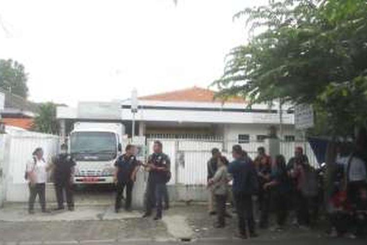 Klinik aborsi ilegal berkedok kantor pengacara di Jalan Cimandiri, Cikini, Menteng, Jakarta Pusat yang digerebek oleh polisi.