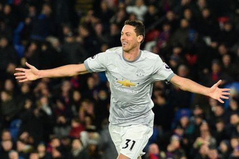 Cara Unik Gelandang Manchester United Berolahraga di Rumah