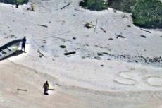 Tulisan SOS di Pasir Selamatkan Pasangan Ini dari Pulau Terpencil di Samudera Pasifik