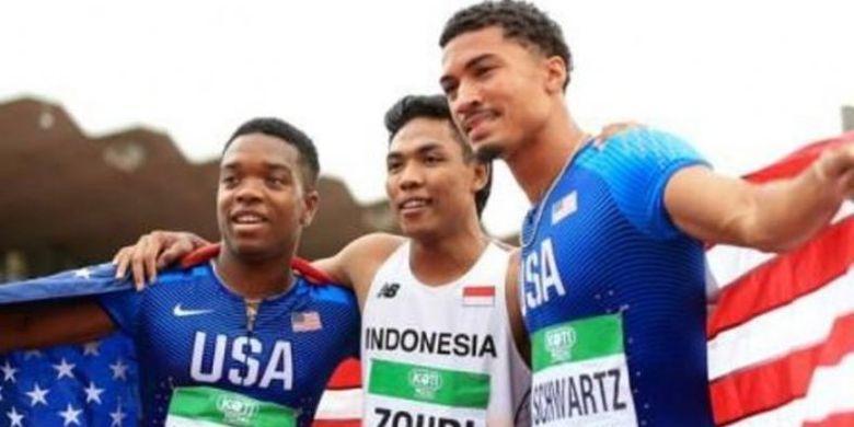 Lalu Muhammad Zohri (tengah)