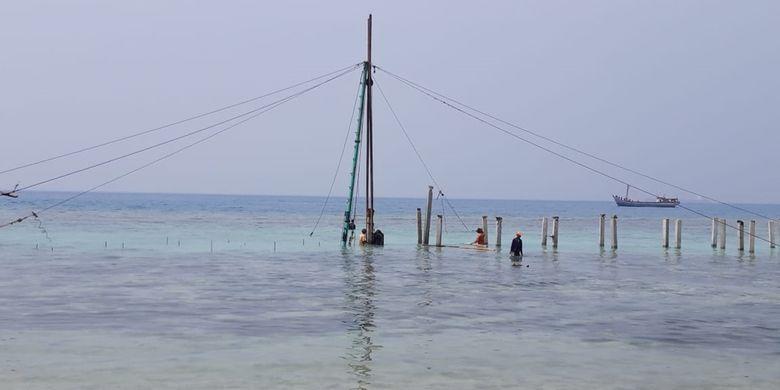 Proses Pembangunan Jembatan Panah Asmara di Pulau Tidung, Kepulauan Seribu