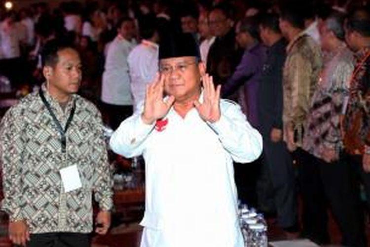 Calon presiden Prabowo Subianto menghadiri acara Deklarasi Piilpres Berintegritas dan Damai di Jakarta, Selasa (3/6/2014). Acara yang diselenggarakan Komisi Pemilihan Umum tersebut menandai dimulainya masa kampanye Pilpres dari 4 Juni sampai 5 Juli.