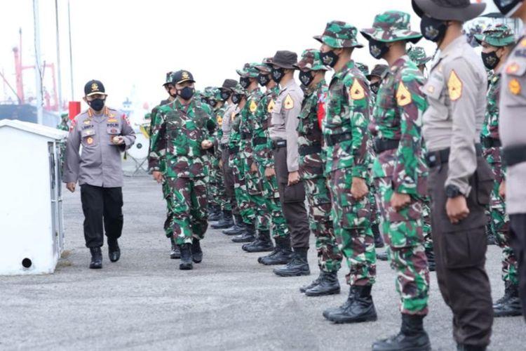 Panglima TNI Marsekal Hadi Tjahjanto dan Kapolri Jenderal Pol Listyo Sigit Prabowo membuka Latsitarda Nusantara 2021 di Medan, Sumatera Utara, Rabu (7/4/2021).