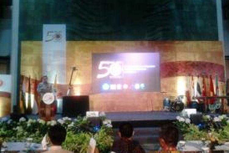 Menteri Pendidikan dan Kebudayaan Indonesia Anies Baswedan pada SEAMEO Night merayakan 50 Tahun SEAMEO di komplek kantor Kementerian Pendidikan dan Kebudayaan Indonesia, Jakarta, Rabu (7/10/2015)