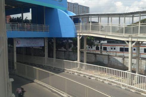 Dilarang Melintasi Jalan Jatibaru Raya, Pejalan Kaki Dipaksa Lewat