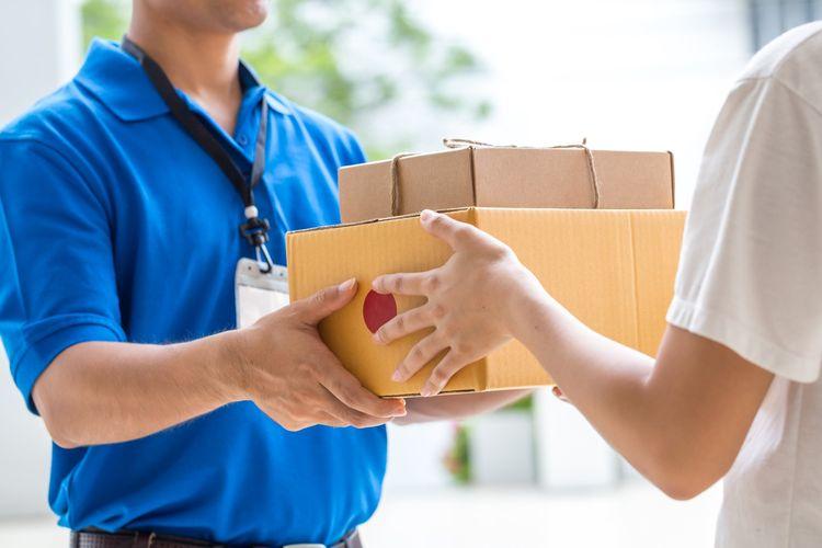 Ilustrasi cash on delivery (COD)