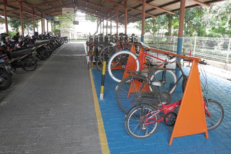 Area parkir sepeda di Gedung Kompas Gramedia di Palmerah, Jakarta.
