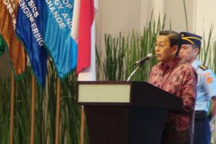 Wakil Presiden Boediono saat memberi kuliah perdana Universitas Surya