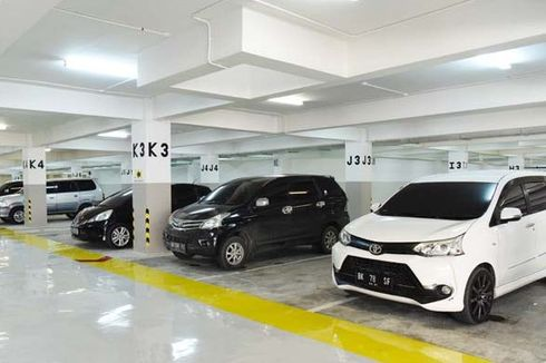 Masalah Saat Uji Coba Insentif Parkir Kendaraan Lulus Uji Emisi: Pelat Nomor Tak Jelas