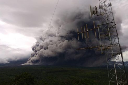 5 Bencana di Awal 2021, dari Longsor Sumedang hingga Erupsi Gunung Semeru
