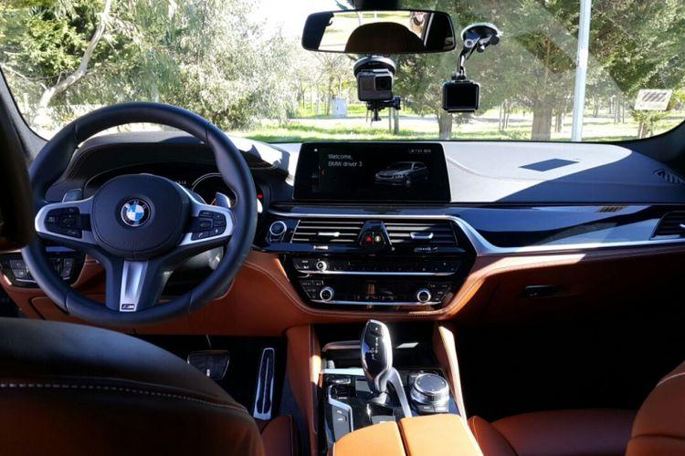 BMW 5 Series Touring menyajikan interior mewah khas dengan beragam fitur di dalamnya